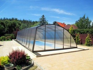 High line swimming pool enclosure Ravena