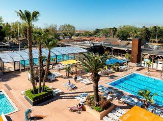 High pool enclosure Horeca fo public pools