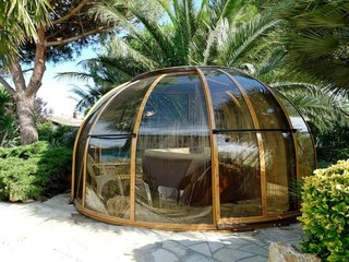 SPA DOME ORLANDO retractable enclosure keeps your water clean