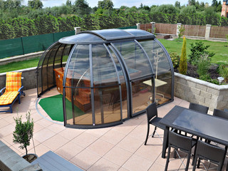 Hot tub enclosure OASIS can also cover your patio set