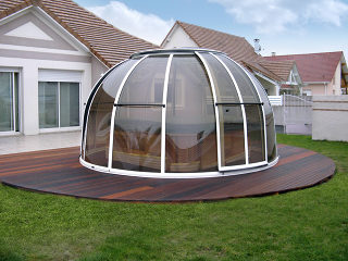 Smoked Polycarbonate used on SPA DOME ORLANDO