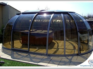 Hot Tub Enclosure Spa Sunhouse - smoke tint of polycarbonate
