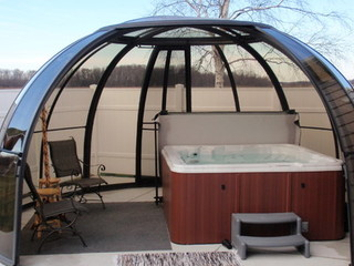 Read, relax and enjoy under SPA DOME ORLANDO enclosure
