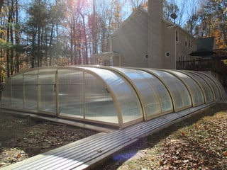 New installation of pool enclosure Laguna over outdoor pool