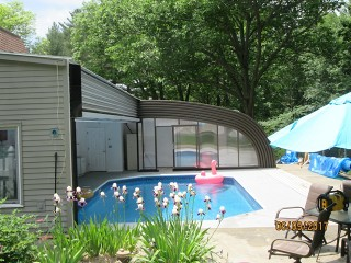 New installation of swimming pool enclosure Style