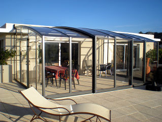 Retractable patio enclosure CORSO Premium by Alukov