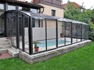 Retractable patio enclosure CORSO Premium works twice - patio enclosure and pool enclosure