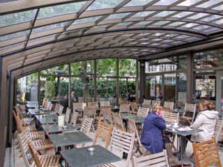 Retractable patio enclosure CORSO – for restaurants and hotels