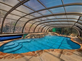 Pool enclosure Laguna in CA - look from inside
