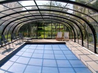 Pool enclosure Laguna - look from inside of the enclosure