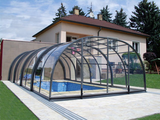 Pool enclosure Laguna with Sealing Profile on House