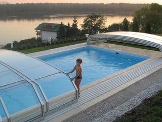 Pool Enclosure Oceanic Low Retractable Pool Cover