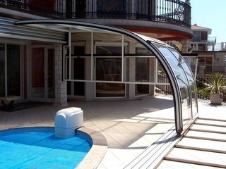 Pool enclosure Style attached to a wall