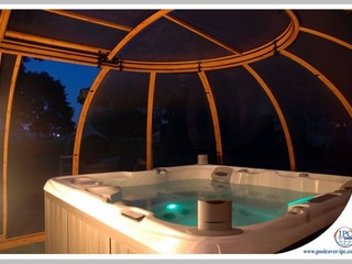 Relaxation within reach - Hot Tub Enclosure Spa Sunhouse
