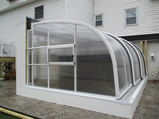 Retractable patio enclosure Corso Entry