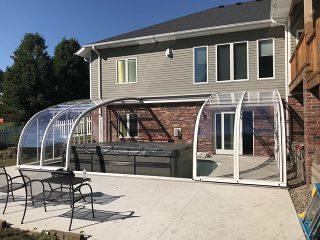 Retractable patio enclosure Style
