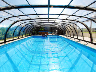 Retractable pool enclosure Tropea - anthracite color