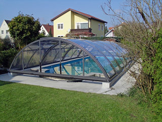 Retractable swimming pool enclosure UNIVERSE