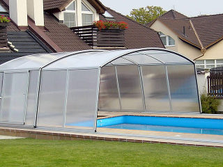 Pool enclosure VENEZIA can be installed on every type of pool