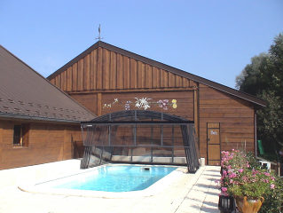 Pool enclosure Venezia - retractable pool cover