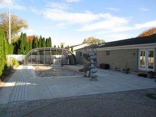 Retracted pool enclosure Laguna