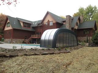 Retracted swimming pool enclosure Laguna