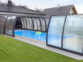 Semi-opened pool enclosure Omega