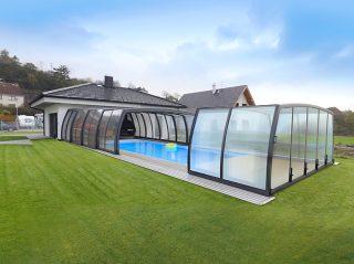 Semi opened pool enclosure Omega