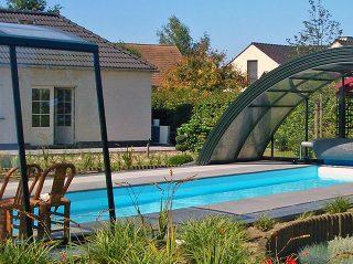 Semi-opened pool enclosure Ravena