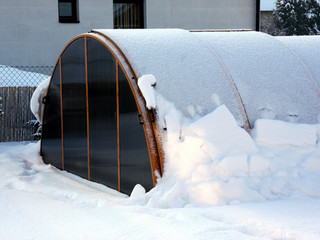 Snow load on pool enclosure Universe