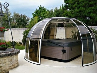 Spa Dome Orlando is a beautiful comlement to your garden