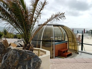 Spa enclosure by the sea - warm your body after swimming in the ocean