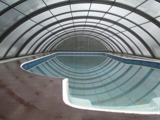 Swimming pool enclosure Universe NEO